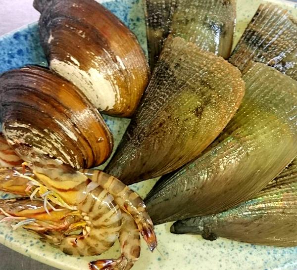 たいらぎとミル貝は瀬戸内産を使っています。